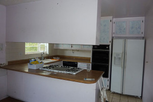 9424-Pebble-Beach-kitchen---before