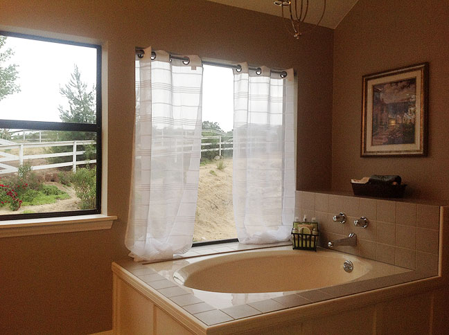 Real estate buyers pay more for ensuite baths